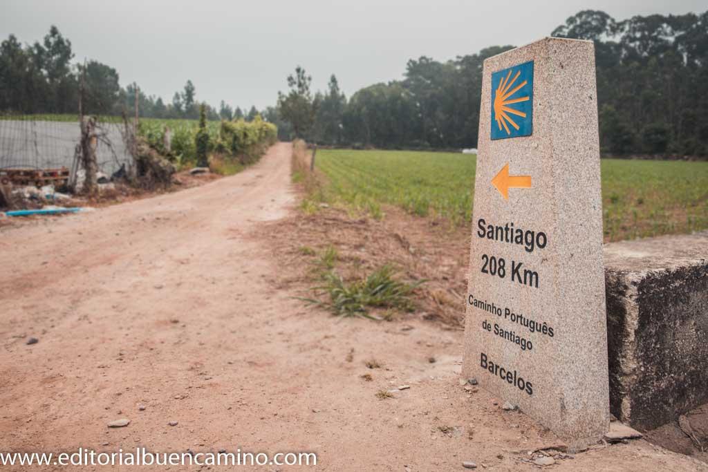 Mojón de los 208 km a Santiago