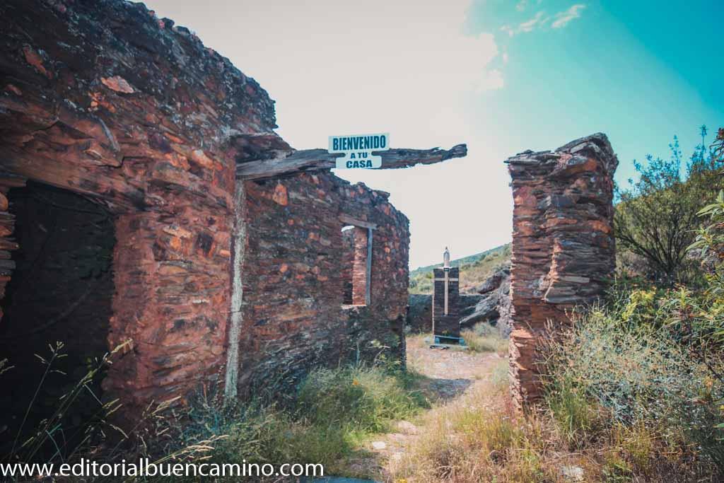 Pueblo abandonado de Nogueiras