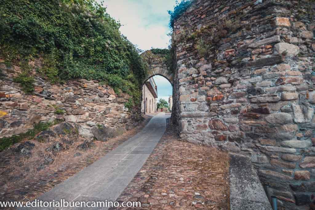 Puerta de la Alcazaba
