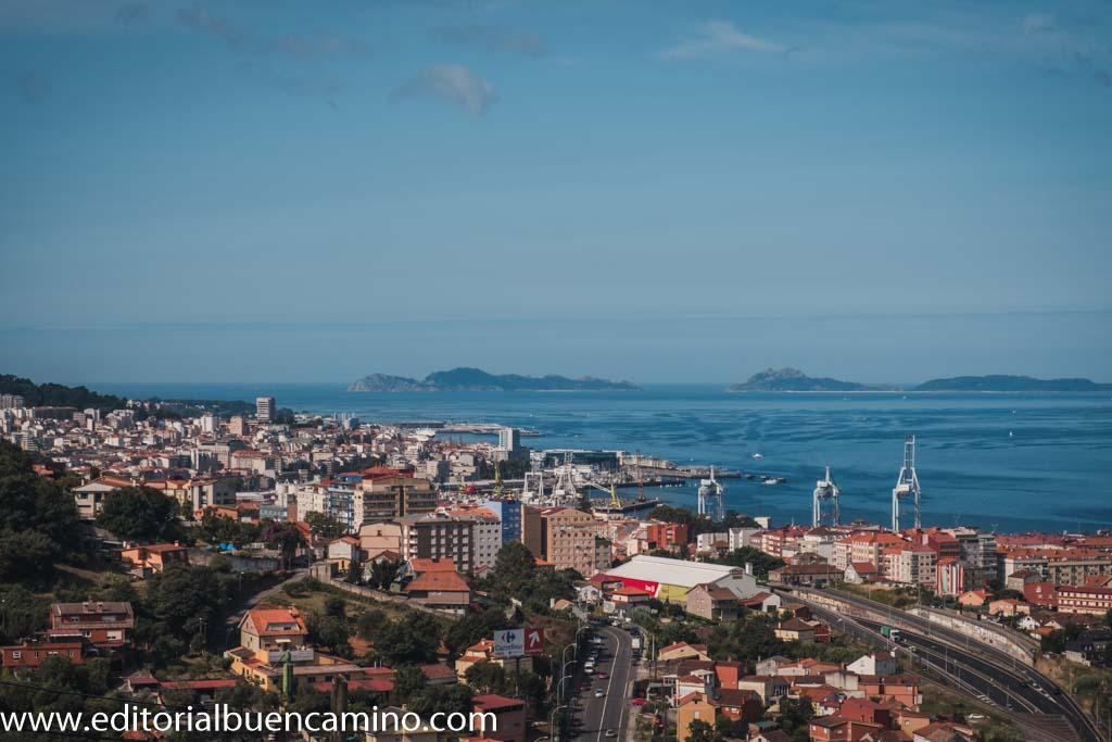 Panorámica de la ría de Vigo y las Islas Cíes