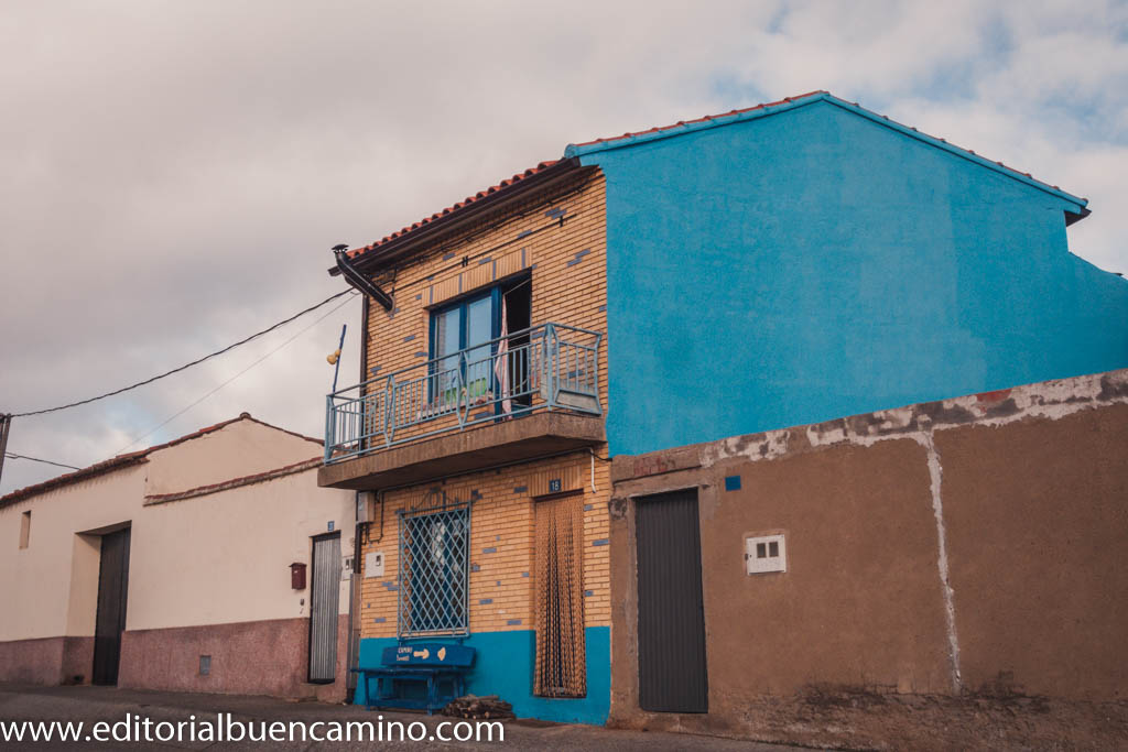La Casa Azul y Amarilla