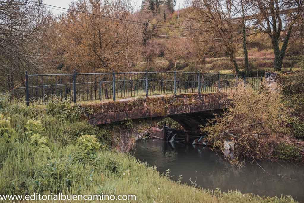 Puente sobre el río Valcarce