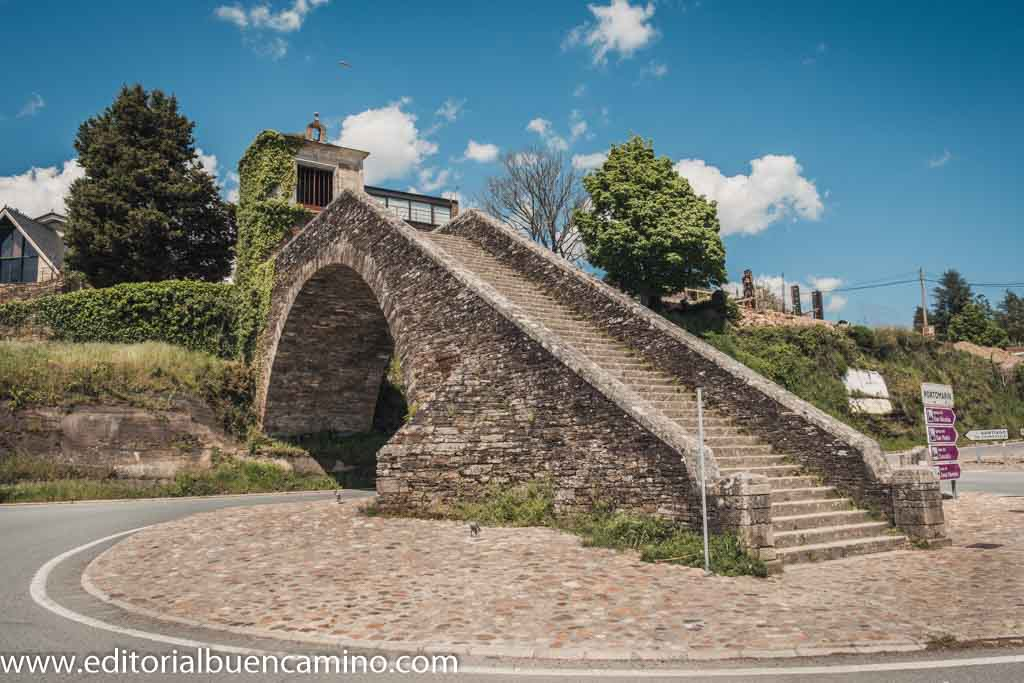 Escalinata del antiguo puente y capilla de la Virgen de las Nieves