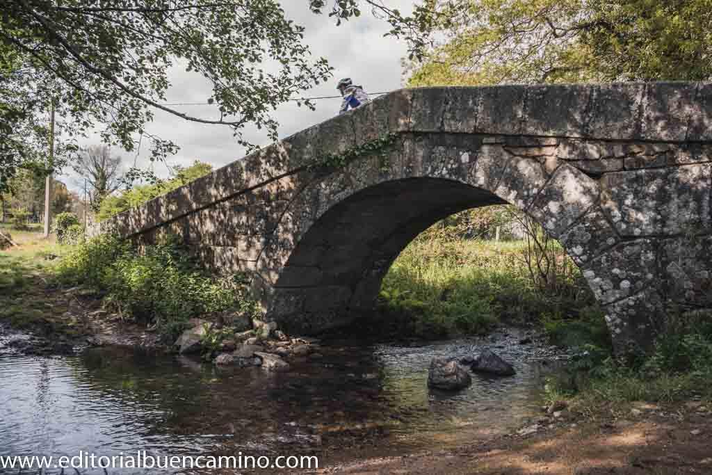 Puente sobre el río Seco