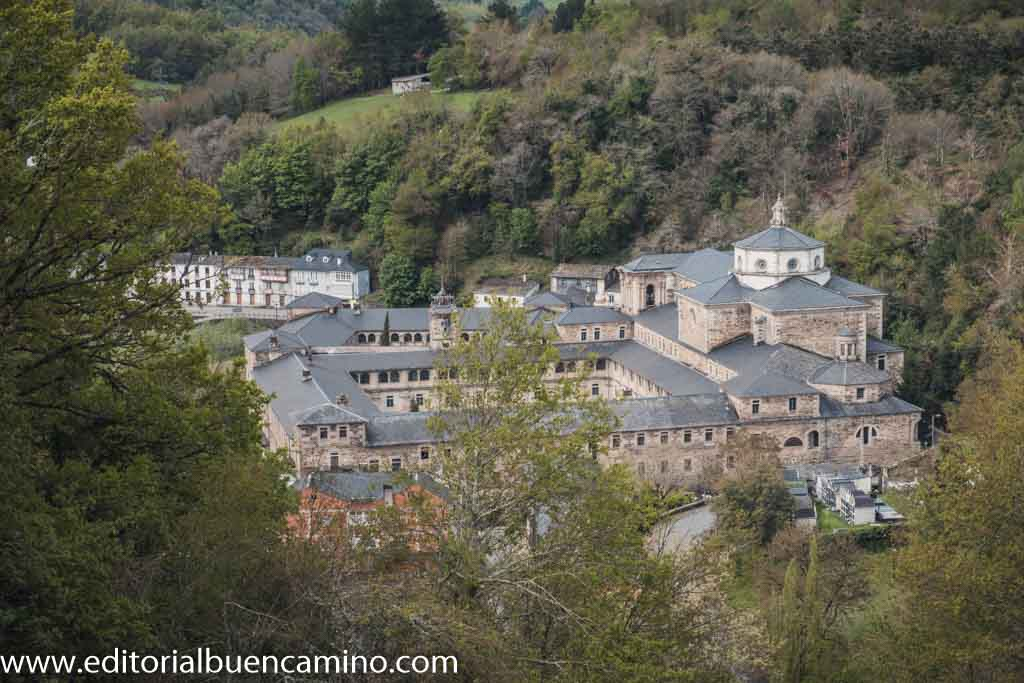 Mirador sobre el monasterio de Samos