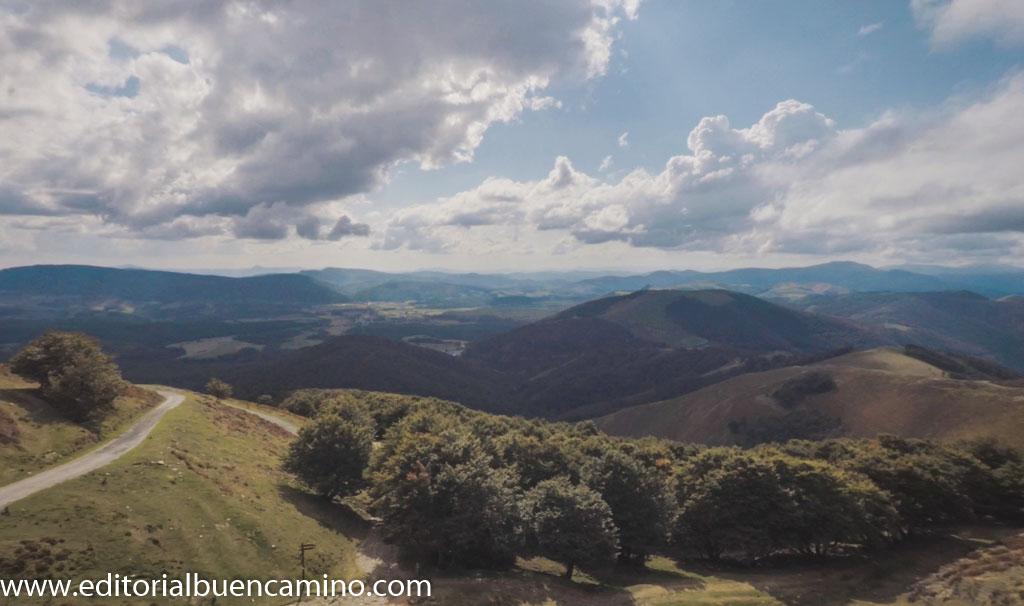 Panorámica de Roncesvalles y la llanada de Burguete