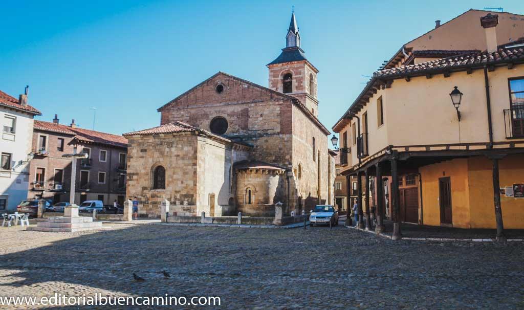 Plaza del Grano o de Santa María del Camino