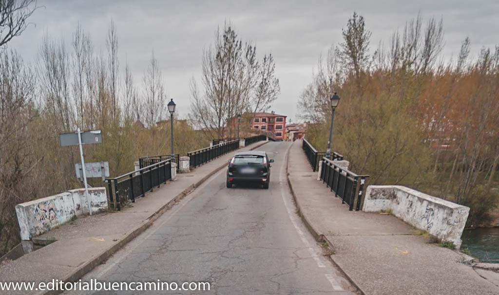 Puente sobre el río Esla