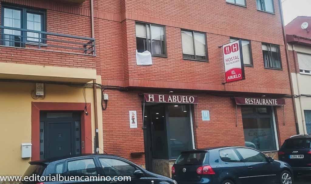Hostal El Abuelo *