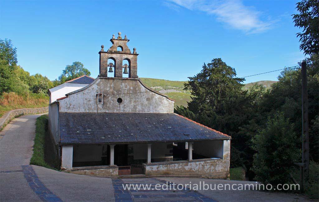 Iglesia de Santa María y tejo