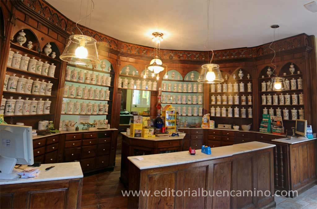 Preciosa farmacia antigua