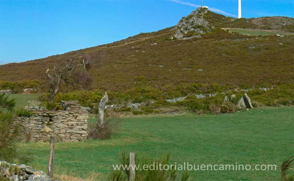 Antiguo hospital de peregrinos y dolmen