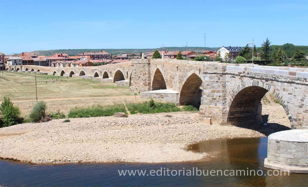 El puente sobre el río Órbigo