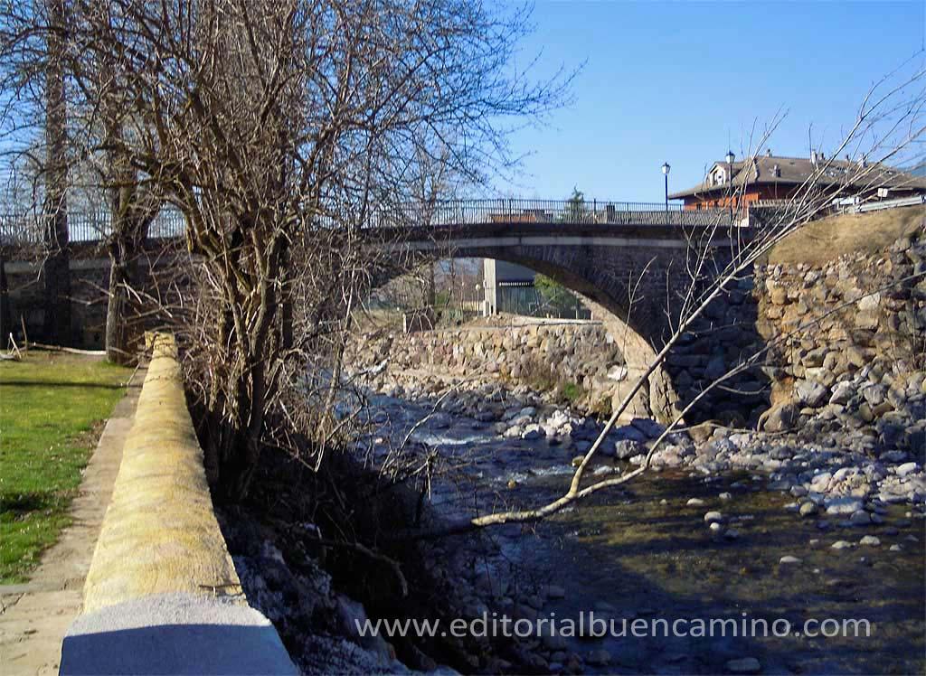 Puente medieval de Villanúa