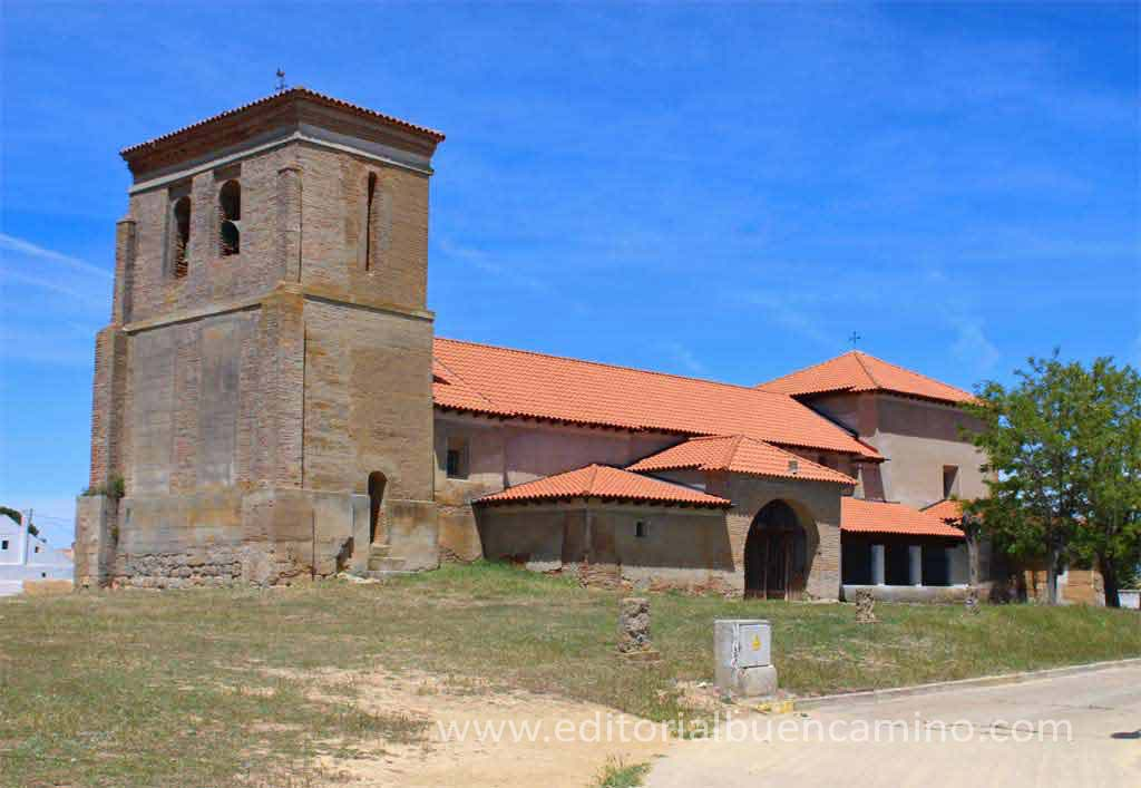 Iglesia de San Martín de Tours de Villarmentero de Campos.
